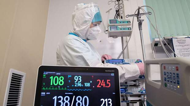 Мишустин поручил выделить 25 млрд руб на помощь больным COVID-19