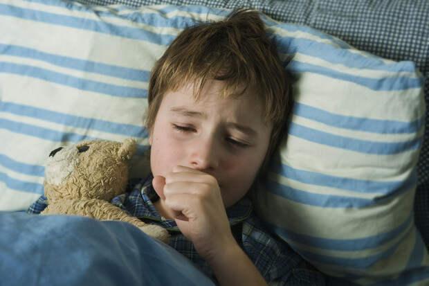 Ребенок заболел коклюшем, но все прививки были сделаны вовремя. Врачи объяснили, почему так произошло