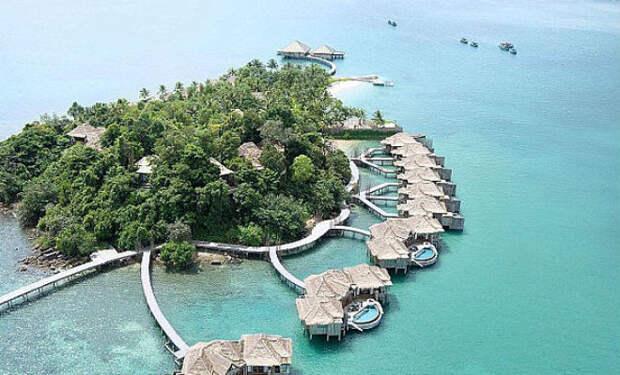 Семья не могла позволить себе квартиру и решила купить никому не нужный остров. Спустя 5 лет остров стал лучшим курортом в округе