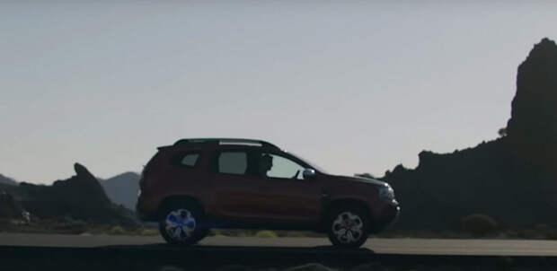 Совершенно новый Duster 2022 с поддержкой Apple CarPlay и Android Auto и новый логотип Dacia показали в видеоролике