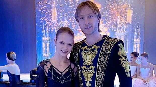 Плющенко объявил о прекращении работы с Трусовой: «Отпускаем обратно на белом коне и с приличным счетом на карте»