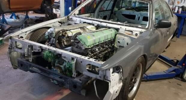 На полицейский Ford установили 27-литровый двигатель от танка