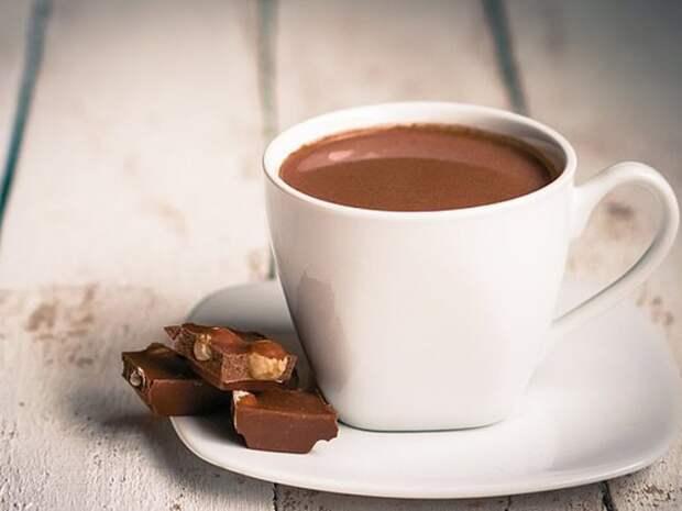 Чем полезна кружка шоколада в день