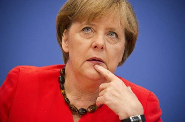 Меркель передала Байдену «предупреждение» через СМИ
