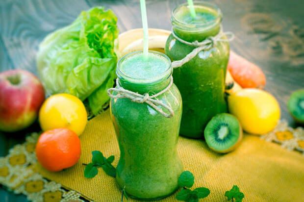 ПОЛЕЗНО ЗНАТЬ !! 5 рецептов соков для очищения от шлаков и токсинов