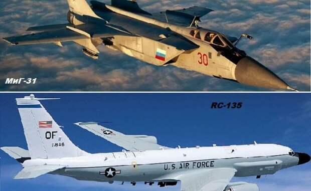 МиГ-31 перехватывает американский разведывательный самолёт RC-135W Rivet Joint у берегов Камчатки