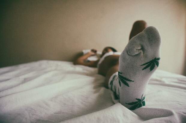 Надевайте носки, чтобы обеспечить хороший ночной сон