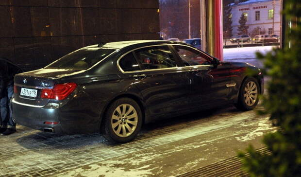 Оренбуржец вскрыл чужую машину и украл из неё 100 тыс. рублей