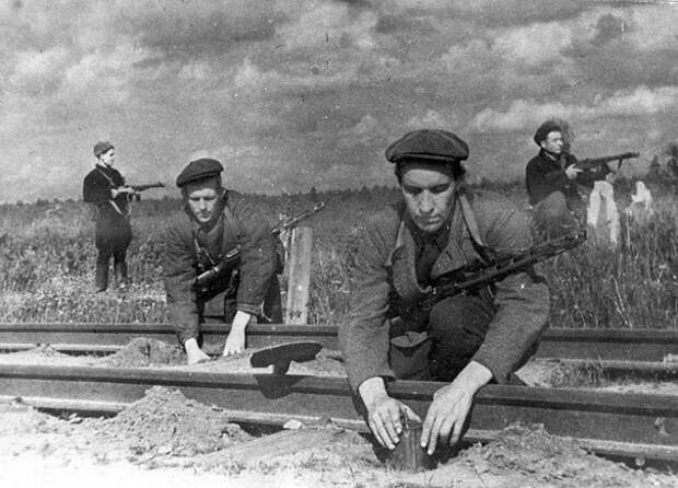 Илья Старинов: как советский супердиверсант устроил немцам «Ад на земле»