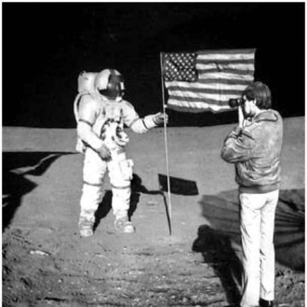 """НАСА """"утеряло"""" доказательства лунной миссии."""