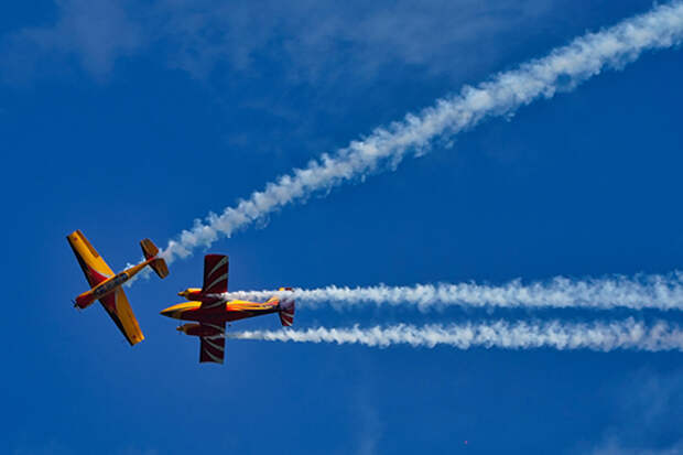 По словам Семенова, теория-теорией, а «пощупать небо — совсем другая история». Да, сегодня учащиеся в «Стране авиации» могут полетать на планерах в Балтасях или на Як-52 в Куркачах, но — от случая к случаю