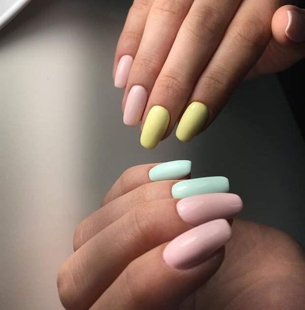 Маникюр «три цвета»: 45+ свежих и ярких идей