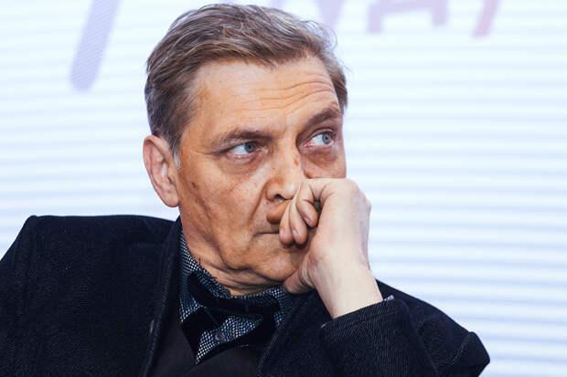 Невзоров обратил внимание, как «брезгливо» власти отреагировали на данные о россиянах с зарплатой в 15 тысяч
