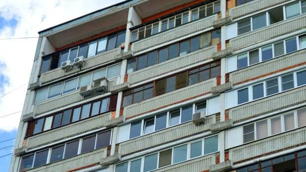 Житель Волгограда погиб от полученных после падения с 20-го этажа травм