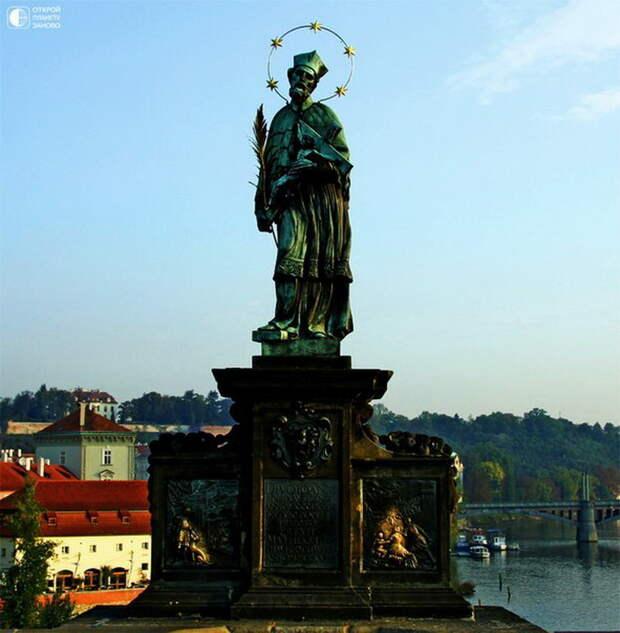 Скульптура Яна Непомуцкого на Карловом мосту. 10 мест для загадывания желаний