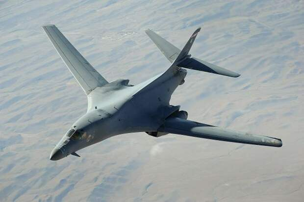Три бомбардировщика США пролетели около российских островов в Арктике