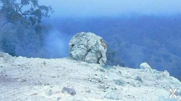 Трещины в земле дымят круглосуточно