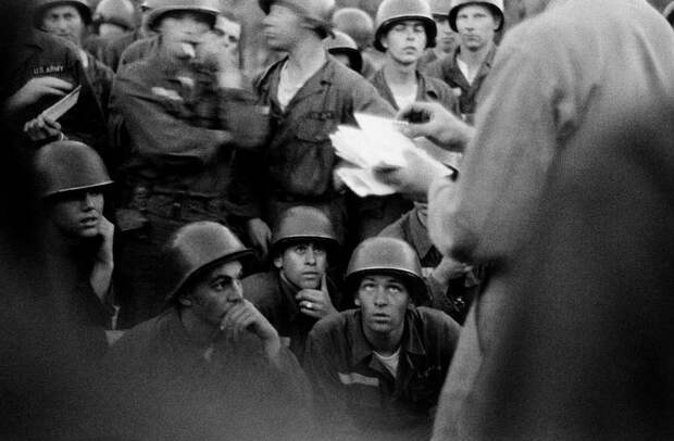 20 чёрно-белых снимков Америки середины XX века от фотографа Брюса Дэвидсона