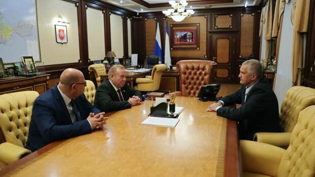 Глава Крыма встретился с председателем профсоюза госучреждений