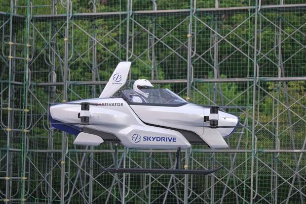 В Японии успешно испытали пилотируемый летающий автомобиль