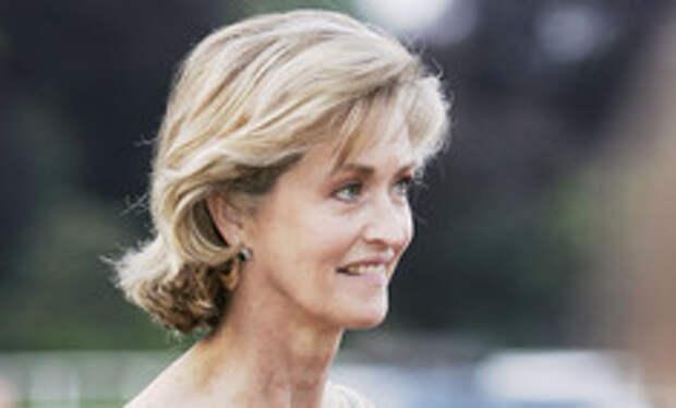 Извозчица и антипод королевы: кем была молодая фаворитка принца Филиппа