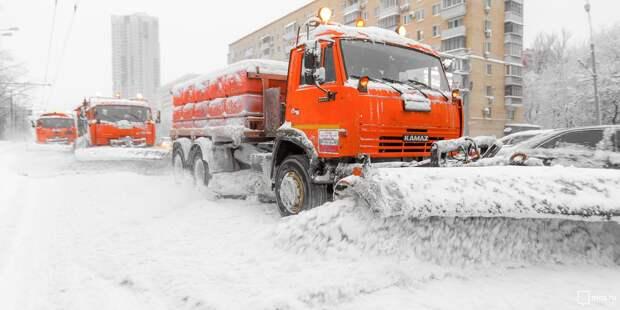 Около двухсот работников «Жилищника» выйдут на борьбу с аномальным снегопадом