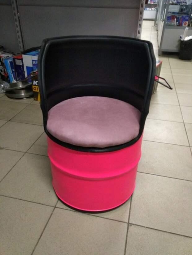 Пошаговый процесс изготовления необычного кресла на колесиках