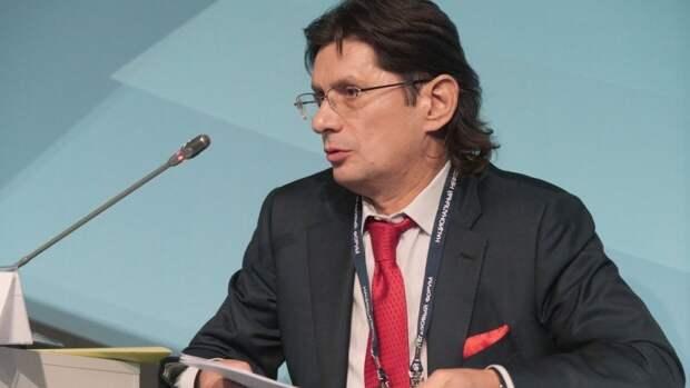 Федун оценил последствия введения ограничений на торговлю нефтью из РФ