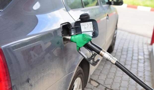 Эксперт рассказал о вероятности роста цен на бензин в России