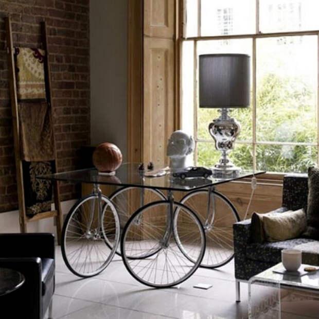 Столик для гостиной из старого велосипеда