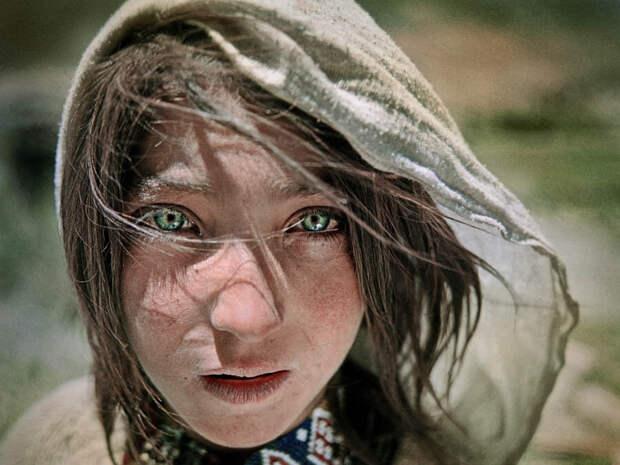 Арии Таджикистана. Памирская девочка.