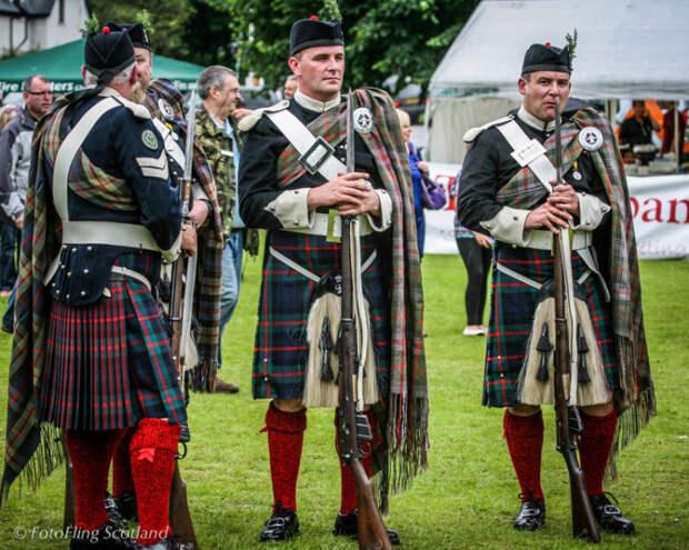 Шотландские егеря.  Фото: fotoflingscotland.co.uk.