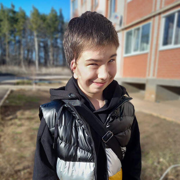 Новое ухо Дани Моисеева