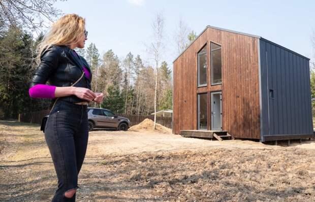 Молодая семья обзавелась дачей под Минском, которая не похожа на «совковые» постройки
