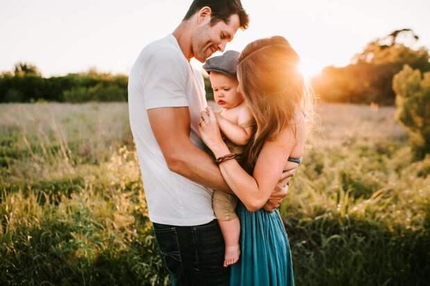Как сохранить семью после рождения ребенка: инструкция от молодой мамы