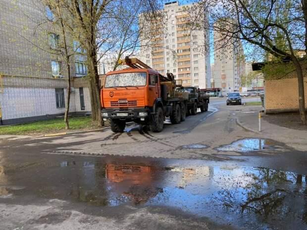 На Полярной началась проверка почвы под новый дом по реновации