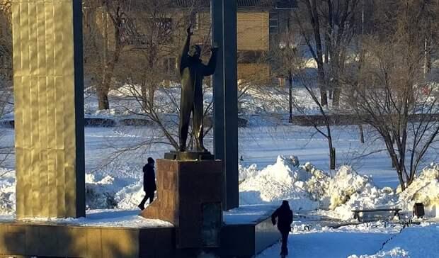 Памятник Юрию Гагарину вОренбурге разгромили школьники