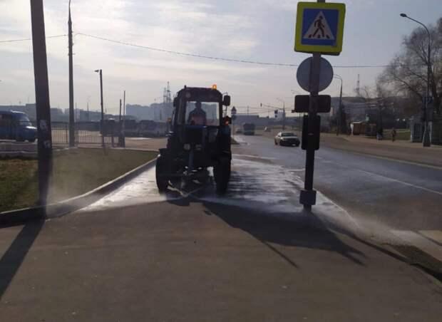 Дезинфекция улиц прошла в Алтуфьеве Фото: управа Алтуфьевского района