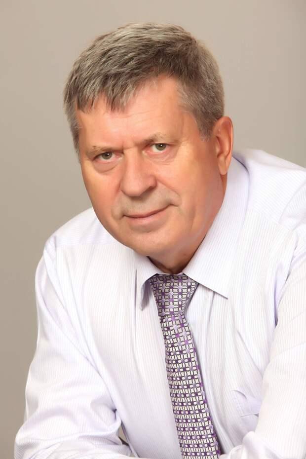 Прощание с экс-депутатом Госсовета Удмуртии Александром Зелениным пройдет 8 июня