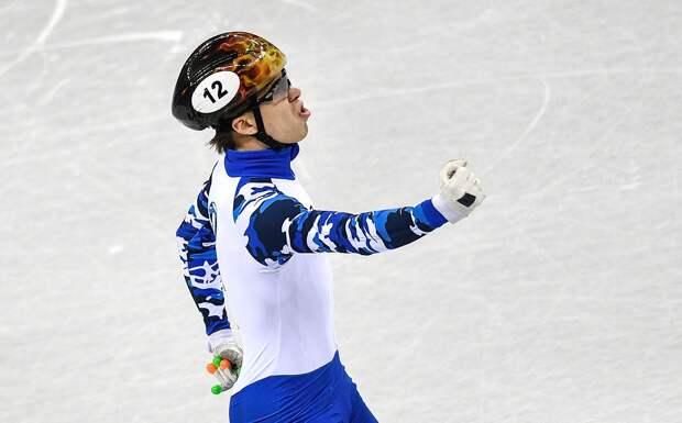 Россиянин Елистратов завоевал второе золото на чемпионате Европы по шорт-треку, победив на дистанции 1000 м