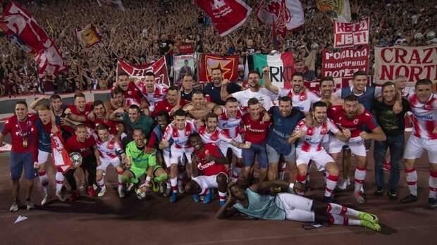 СМИ: Футболисты «Црвены Звезды» отпраздновали выход в ЛЧ, прокатившись на танке по Белграду