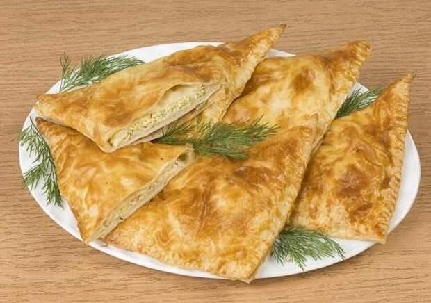 Хачапури с сыром и зеленью/Фото: А. Нерубаев/BurdaMedia