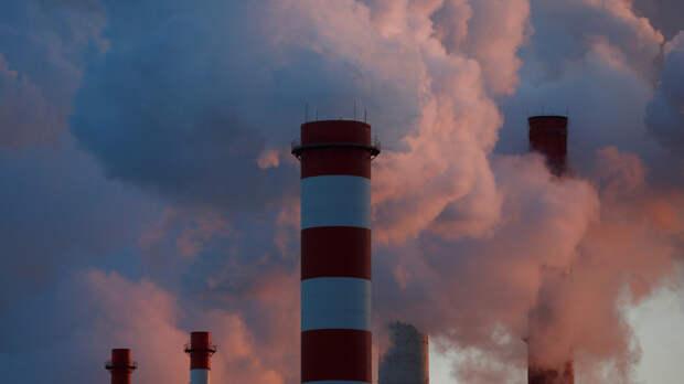 В России планируют обязать предприятия устранять вред экологии