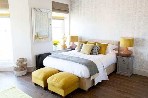 Трогательный образ спальной комнаты с применение теплых тонов