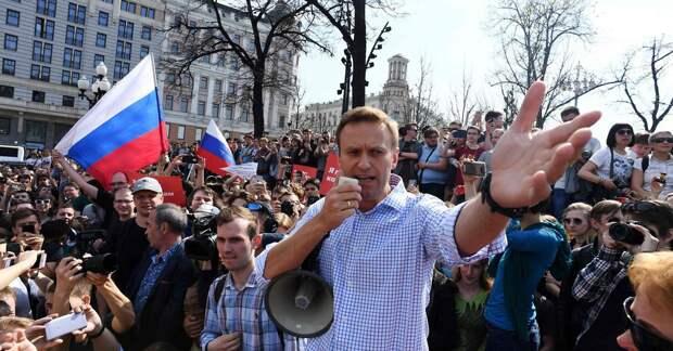 Навальный как Ельцин: Прибалтика мечтает о новой перестройке и распаде России