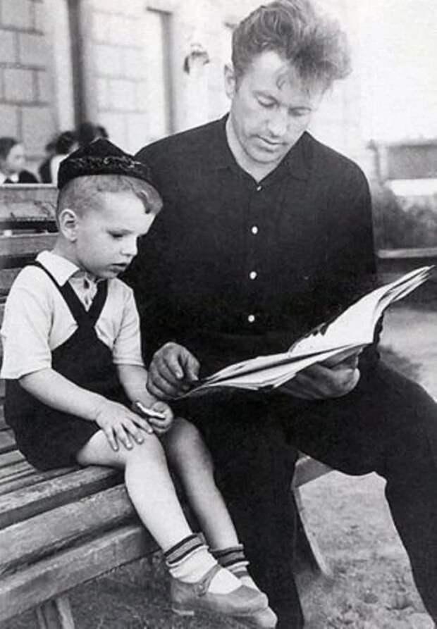 Семейные фото советских знаменитостей из их домашних архивов