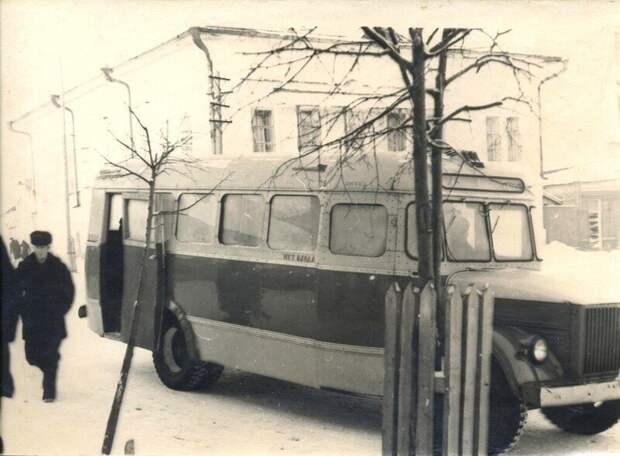 Тракторы, лесовозы, мотоциклы — какие машины помогали советским людям вработе?