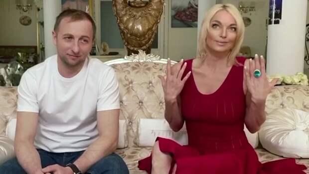 «Олежа походу накосячил»: поклонники Волочковой гадают, кто разочаровал балерину