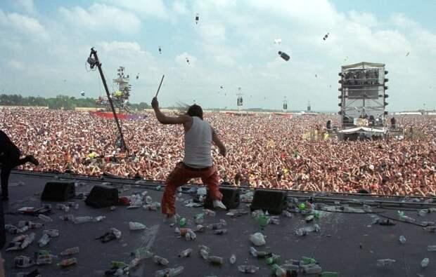 Кида Рока закидали бутылками 90-е, Вспомним, Фестиваль, вудсток, музыка, рок, трэш, фото