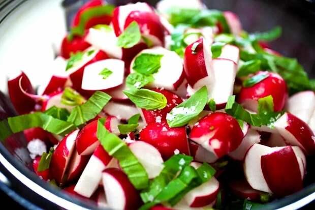 Ранние сорта сладкого и сочного редиса - сею в конце февраля и всю весну ем свежие салаты